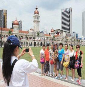 Jangan Diskriminasi Pelancong Dari China