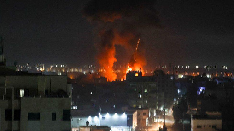 Israel Bom Gaza Tindak Balas Belon Api
